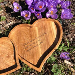 Puidust vaagen SÜDA sobib kinkida sõbrapäevaks, emadepäevaks või isadepäevaks, koos graveeringuga on suurepärane personaalne kingitus.
