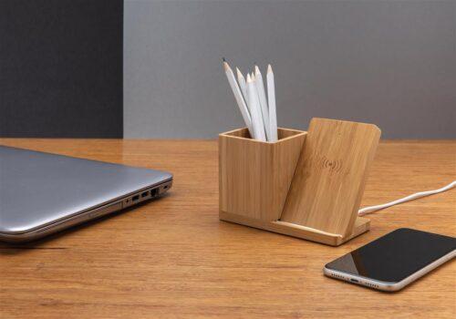 Puidust pliiatsitops koos juhtmevaba laadijaga Purtse Vineerikoda 1