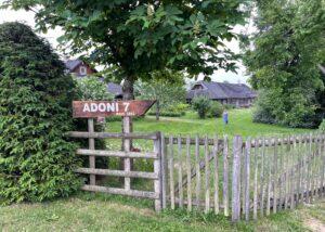 Talusilt Adoni